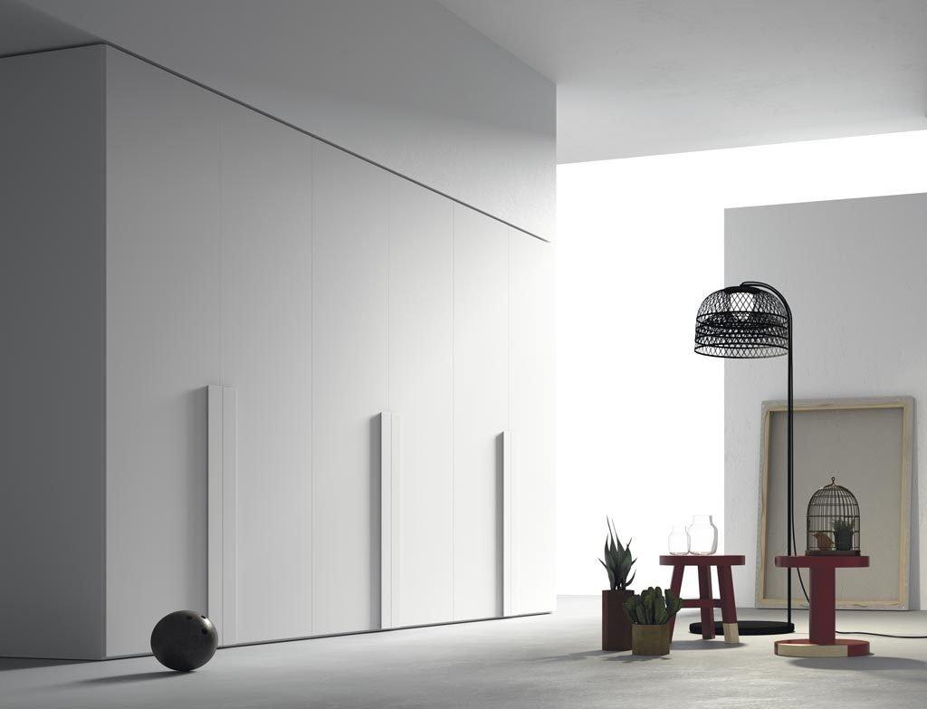 Armario de seis puertas batientes en color Blanco