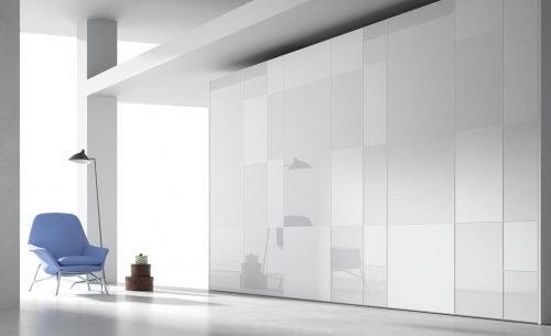 Wardrobe with six hinged doors in colour Blanco Brillo