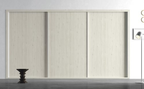Fitted wardrobe with three sliding doors in colour Abeto