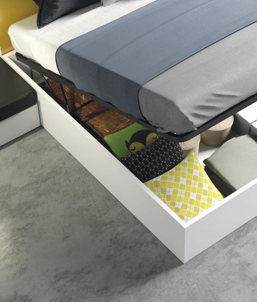 Detail of the canopy bed in colour Blanco