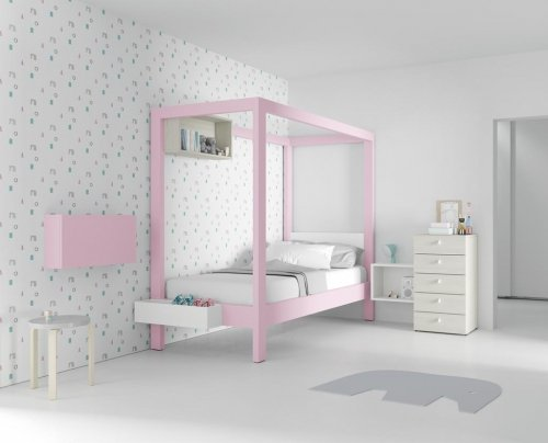Canopy bed in colour Rosa for the little princess of the house