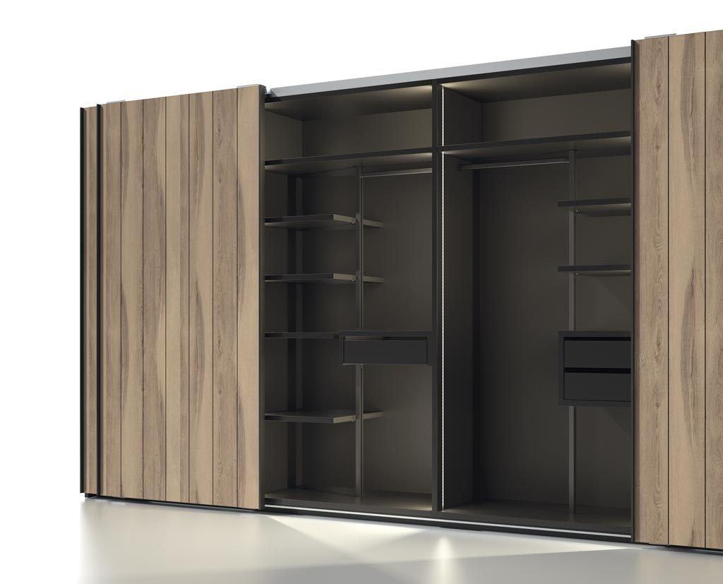 Interior del armario corredero que puedes personalizar con la estructura interior de aluminio