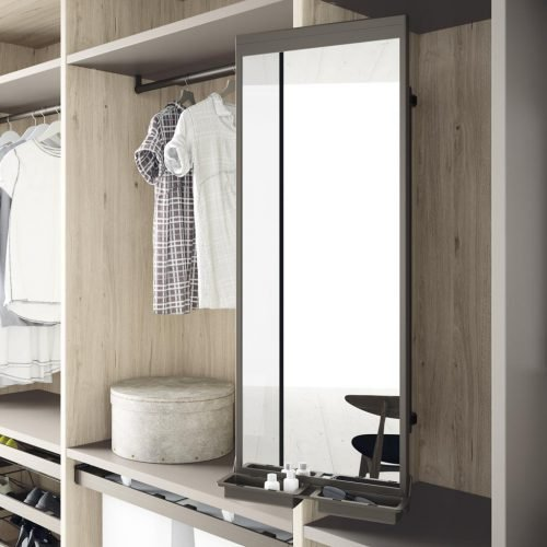 Detail of the rotating mirror to make your wardrobes and walk-in wardrobes more functional