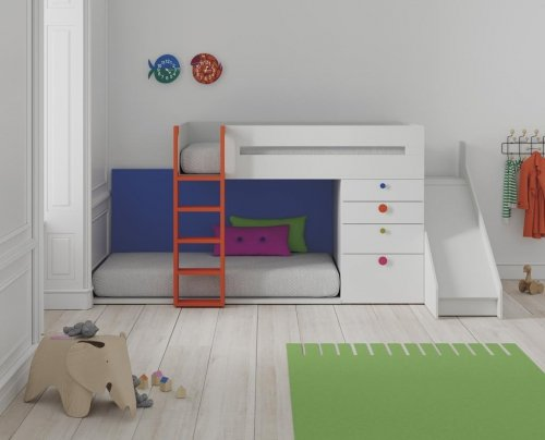 Train bunk-bed with slide in colour Blanco