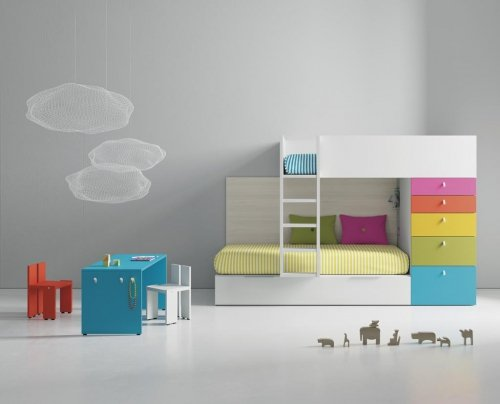 Kids train bunk-bed in a variety of colours with a table from our PUKKA collection