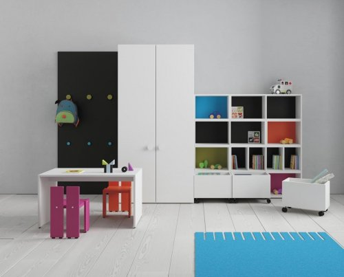 Kids room that asks for games and fun