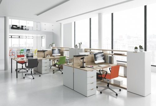 With our INFINITY 02 collection you can distribute any space as you wish, for instance have a look at this modern office design
